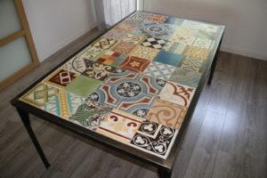Table mosaïque carreaux de ciment
